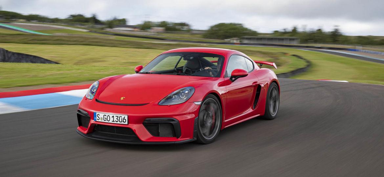 Porsche_718_(982)_Cayman_GT4_Red_Motion_566458_3840x2160
